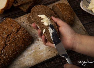 Beneficiile painii negre